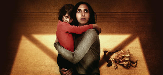 Shideh holding her daughter in Under The Shadow